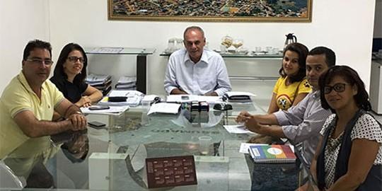 brumado-prefeitura-parceria-auau-foto-site-brumado-noticias-78