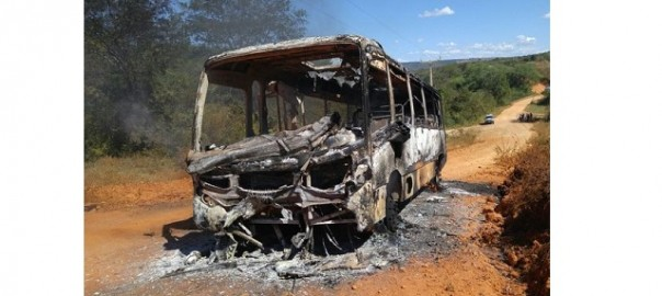 Onibus queimado