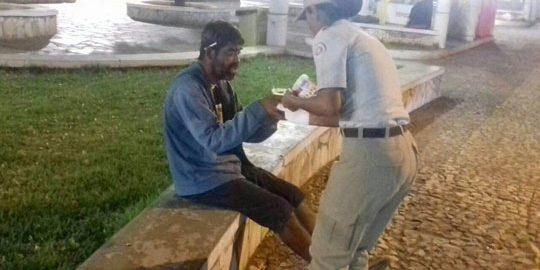 policia-militar-distribui-sopas-em-brumado-foto-site-brumado-noticias-33
