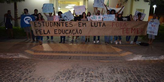 protesto-estudantes-camara-brumado-noticias-71