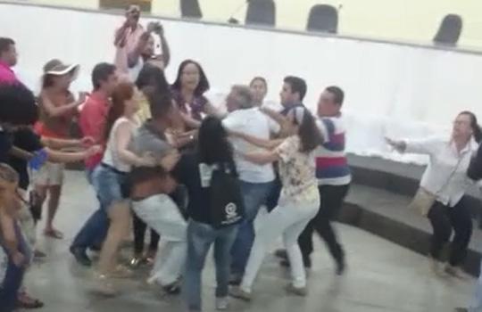 camara-briga-entre-secretario-e-professor-brumado-noticias-99