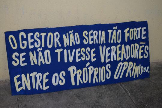 cartaz-contra-vereadores-e-prefeito-brumado-noticias-83