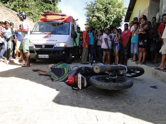 motoqueiro-morto-acidente-brumado-noticias-26