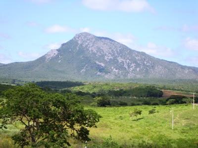 Morro da Feirinha Condeúba Levon Nascimento