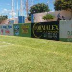 Muros com publicidades