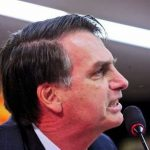 """Em discurso no Clube Hebraica, no Rio, Bolsonaro disse que visitou uma comunidade quilombola e """"o afrodescendente mais leve pesava sete arrobas"""" e que """"nem para procriador serve mais"""", depois ele foi condenado pela Justiça Federal do Rio a pagar R$50 mil a comunidades quilombolas e à população negra por danos morais"""